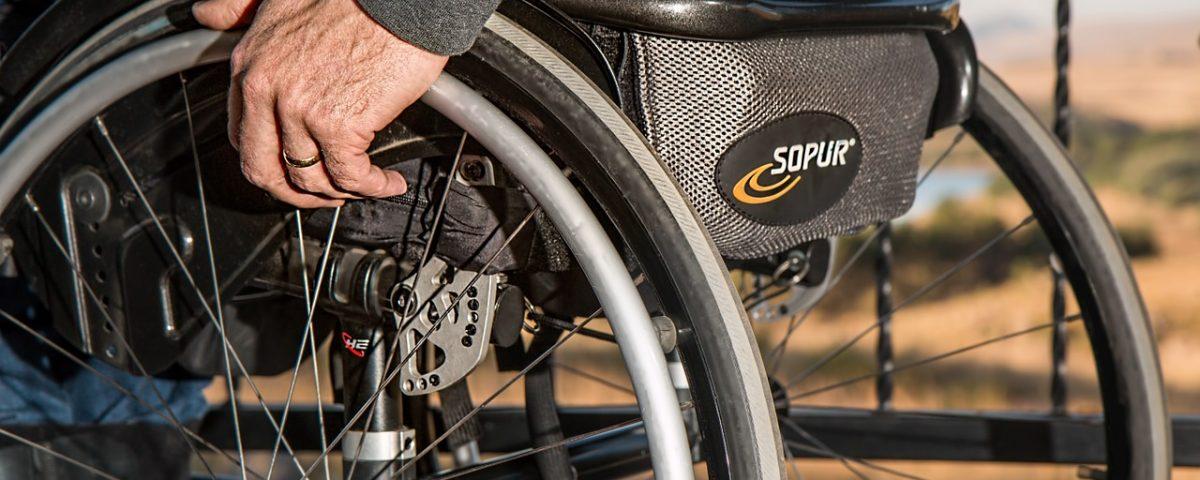 Viele Patienten mit Multipler Sklerose können irgendwann nicht mehr gehen. Foto: Pixabay